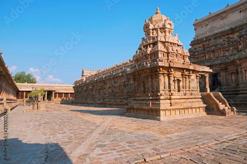 Foto op Canvas Florence Pillar-cloister and Chandikesvara temple, Northern side, Airavatesvara Temple complex, Darasuram, Tamil Nadu