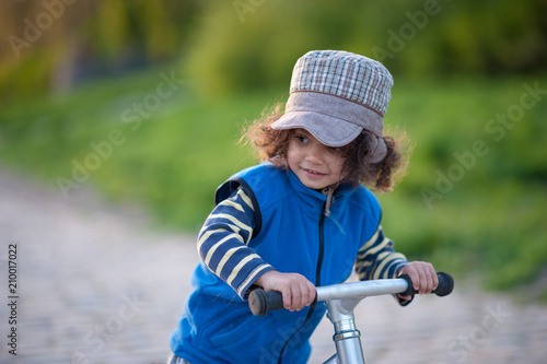 Fotografie, Obraz  Boy enjoying outdoor bike tour