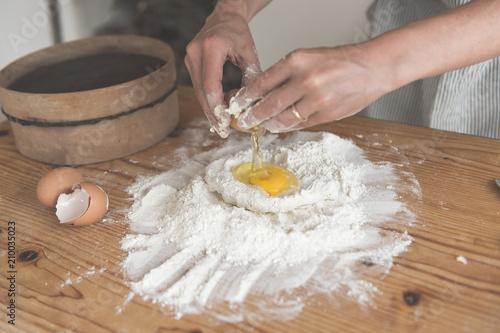 Ragazza prepara impasto per la pasta Canvas Print