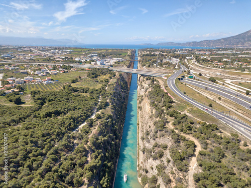 Foto Isthmus of Corinth in Greece taken in April 2018