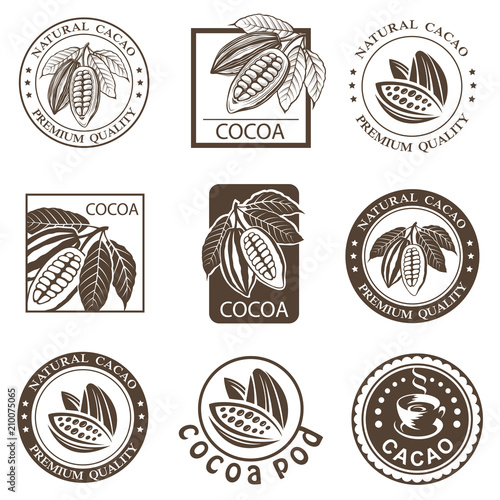 Fotografía collection of labels with cocoa beans and leaves