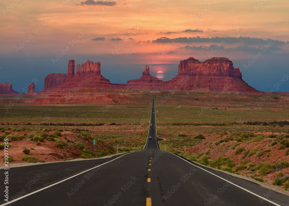 Fototapety, obrazy: Scenic highway in Monument Valley Tribal Park in Arizona-Utah border, U.S.A. at sunset.