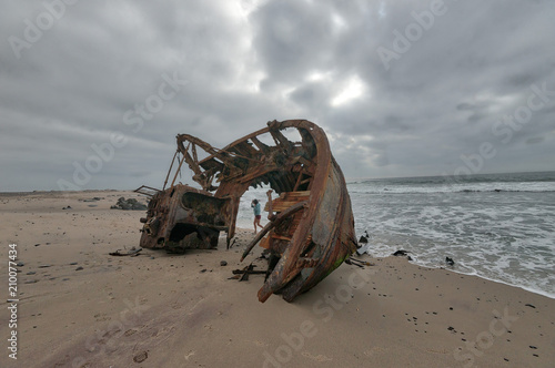 Cuadros en Lienzo Ship Wreck along the Skeleton Coast in Western Namibia taken in January 2018