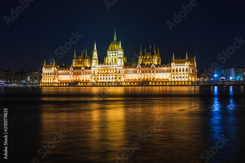 Staande foto Boedapest Night view of Budapest. Panorama cityscape of famous tourist destination with Danube, parliament and bridges. Travel illuminated landscape in Hungary, Europe.