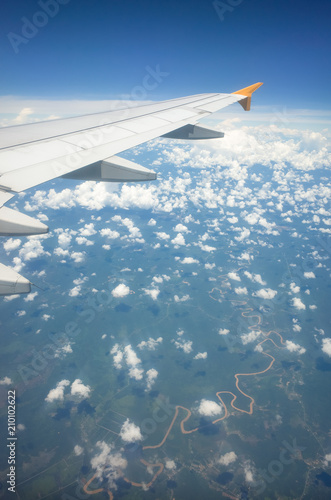 Remarkable Window Seat View Of Plane Wing Speckled Clouds And Windy Beatyapartments Chair Design Images Beatyapartmentscom