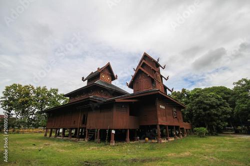 Foto op Aluminium Oude gebouw Wat Phra That Chom Chaeng, Phrae, Thailand