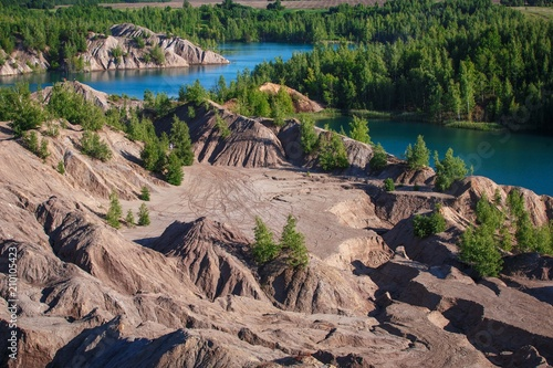 Foto op Aluminium Zalm a lake among the mountains with a Martian relief