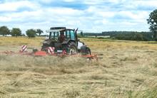 Tracteur Agricole Qui Retourne...