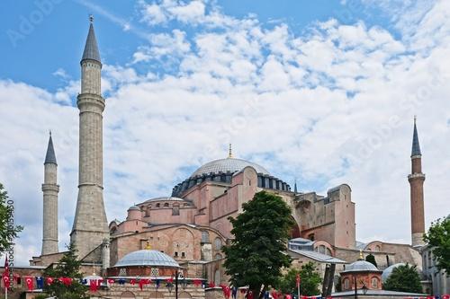 Plakat ISTANBUL, TURCJA - MAJ 26: Widok zewnętrzny Muzeum Hagia Sophia w Stambule w Turcji w dniu 26 maja 2018