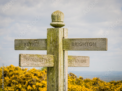 Canvas Print Signpost of the South Downs Way indicating the direction of Brighton, Eastbourne