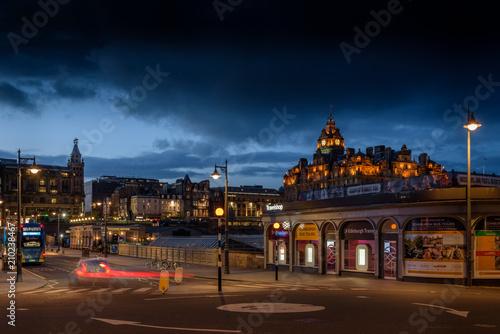 Papiers peints Con. ancienne Edinburgh by night