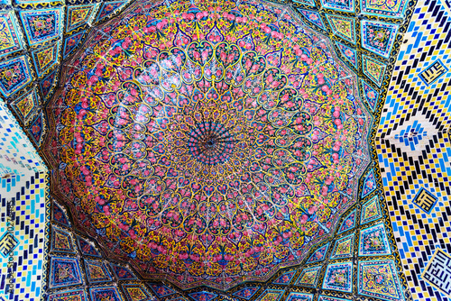 Papiers peints Con. ancienne Detail of the ceiling in Nasir Ol-Molk mosque, also famous as Pink Mosque. Shiraz. Iran