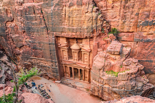 Fotobehang Midden Oosten Aerial view of the Treasury in Petra, Jordania
