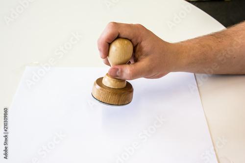 Runder Stempel aus Holz Wallpaper Mural