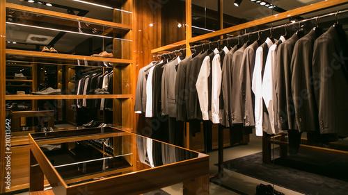 Fotografía  A luxury store with men clothing.