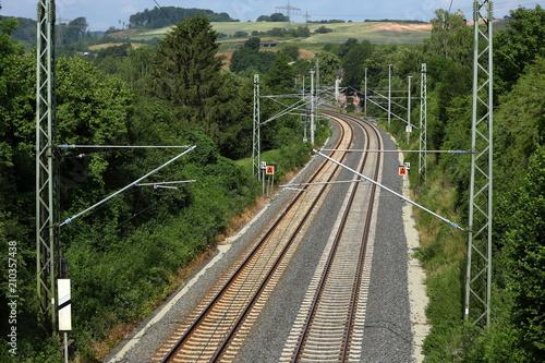 Fotobehang Spoorlijn Gleise und Bahnstrecke