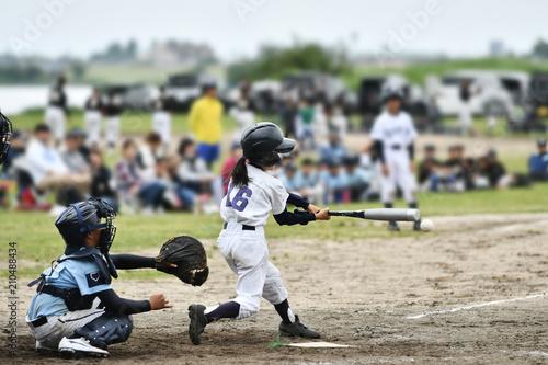 女の子の野球