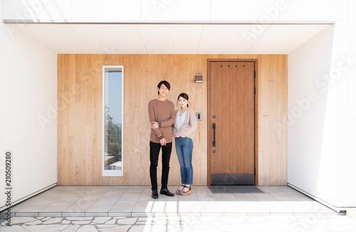 Valokuva 玄関のカップル