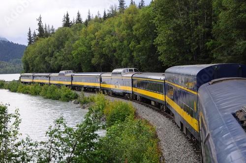 Photo Scenic Alaska Railroad and sightseeing train
