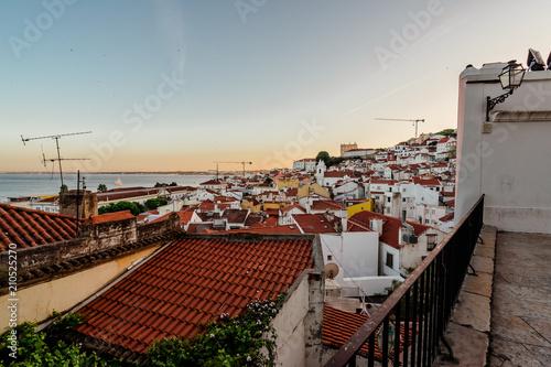 Plakat Alfama, Lizbona, Portugalia