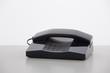 blaues altes telefon mit kabel