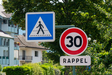 Limit Speed At 30 Km/h On The French Streets