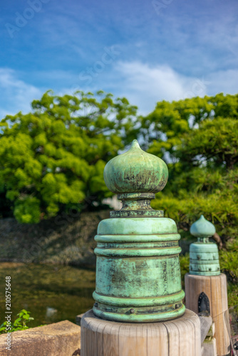 Foto op Aluminium Oude gebouw Detail of the pillars of the bridge in the gardens of the Imperial Palace in Tokyo