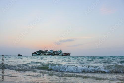 Foto op Canvas Schipbreuk wreck ship