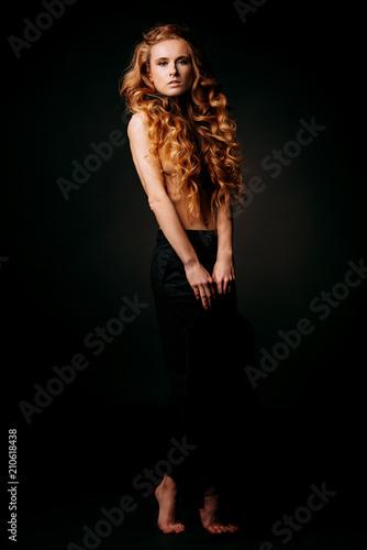 In de dag Akt full length female portrait