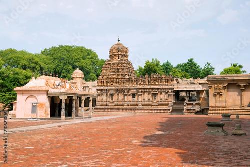 Foto op Canvas Florence Subrahmanyam shrine, Brihadisvara Temple complex, Tanjore, Tamil Nadu. View from South West.