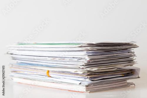 Tela Pile of mails on white background