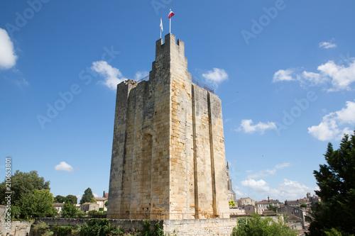 Obraz na płótnie Saint Emilion wine village near Bordeaux France Tower of King Castle