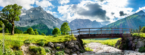 La pose en embrasure Ponts karwendel mountains