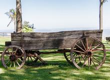 Carroça Antiga De Madeira