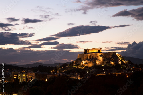 Staande foto Athene Illuminated Acropolis in Athens, Greece at dusk