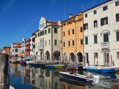 Stickers pour porte Venise Chioggia - Buildings, canals, fishing boats and seagulls in the lagoon city
