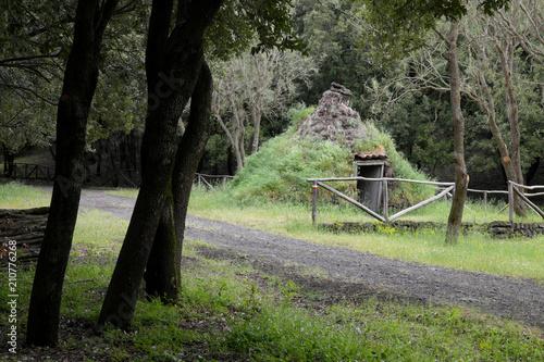 Fényképezés  Old Shelter Shaped Like A Cone in Etna Park, Sicily