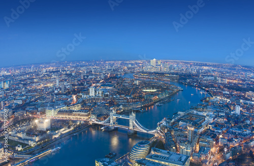 Poster London wide view of London city in a beautiful night. aerial shot
