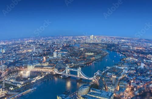 Spoed Foto op Canvas London wide view of London city in a beautiful night. aerial shot