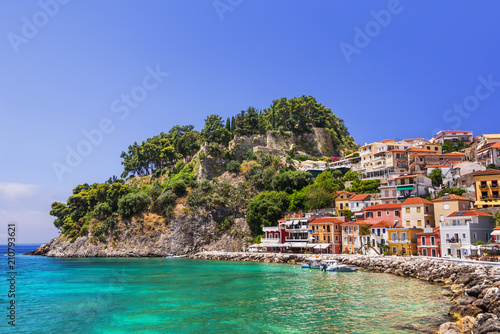 Spoed Foto op Canvas Stad aan het water Parga, Greece, Beautiful Greek fishing village