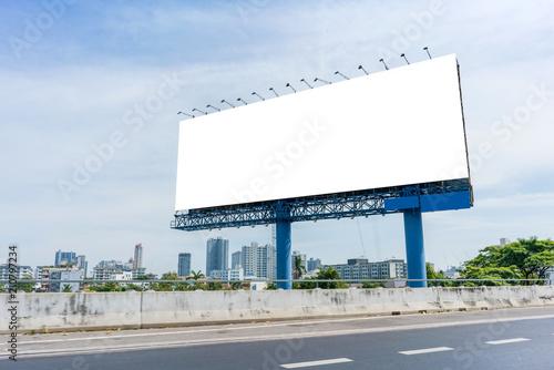 Fotografía  billboard blank on road in city for advertising background