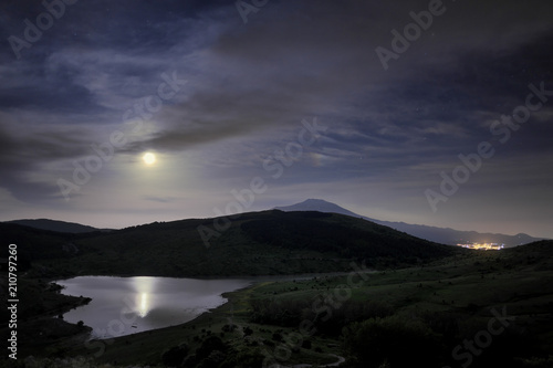 Vászonkép  Lake Under The Moonlight, Sicily