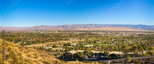 Foto auf Gartenposter Honig Panorama of Palm Springs in California