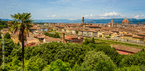 Fotografía  View of Florence from Piazzale Michelangelo - River Arno with Ponte Vecchio and