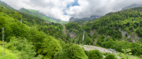 Fotomural panorama of the village of Gourette in the French Pyrenees