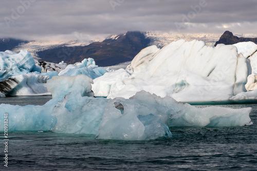 Poster Glaciers Icebergs of Jokulsarlon, a large glacial lake in southeast Iceland, Vatnajokull National Park