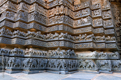 Friezes of animals, scenes from mythological episodes from Ramayana and Mahabhar Fototapet