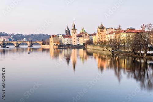 Plakat Wełtawa, Most Karola i słynna wieża zegarowa
