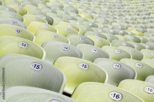 Fototapeta premium Zielone siedzenia na Stadionie Olimpijskim w Monachium