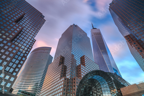 obraz dibond View on Manhattan skyscrapers during sunset